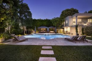 LA Times | JUST SOLD : 808 Alpine