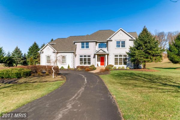 15 WOODFIELD CT