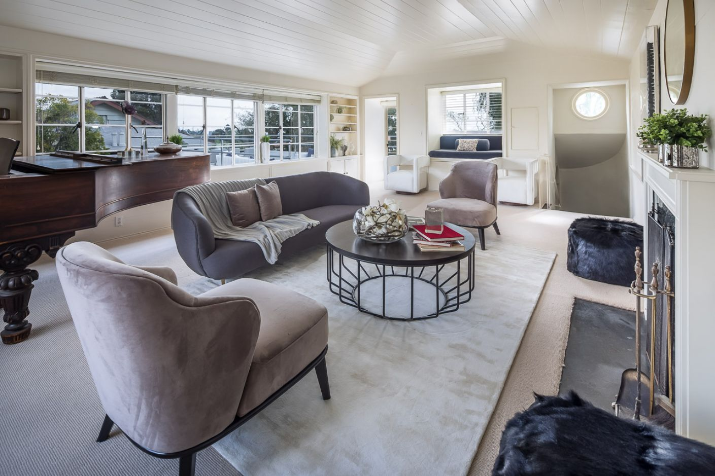 6887 Alta Loma Terrace     |     Hollywood Hills Los Angeles CA  | Jonah Wilson