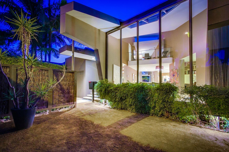 8743 Ashcroft        West Hollywood West Hollywood CA 90069   Jonah Wilson